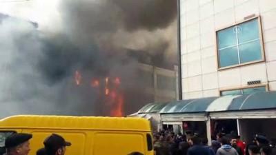 itfaiye araci - Azerbaycan'da iş merkezi yangını (2) - BAKÜ