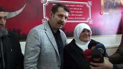 ozel harekat polisleri -  Şehit annesi oğlunun adının okula verildiğini görünce gözyaşlarını tutamadı