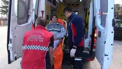 Bursa'da engelli ve yatalak hastalar ambulanslarla oy kullanacakları okullara taşındı