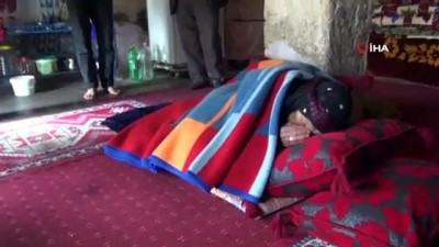 en yasli kadin -  Türkiye'nin en yaşlı kadını Cumhurbaşkanı Erdoğa'a dualar ederek oyunu kullandı