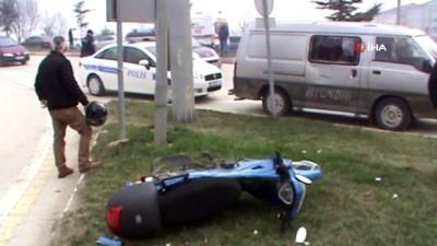 motosiklet surucusu -  Kaza yapan motosiklet sürücüsünün hayatını kaskı kurtardı