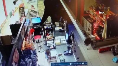 maskeli hirsiz -  Şarküteriden çaldıkları etlerle mangal yapan hırsızlık çetesi yakayı ele verdi