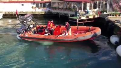 Üsküdar'da Özbek şahıs denize atlayarak intihar girişiminde bulundu