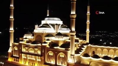 sabah ezani -  Çamlıca Cami ibadete açıldı