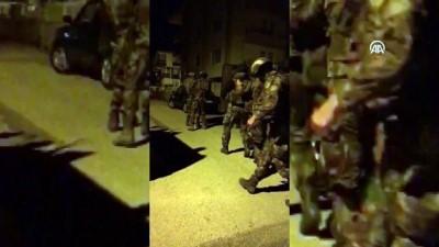 ozel harekat polisleri - Dikkati çekmemek için ailelerindeki kadınları kullanmışlar - ANKARA