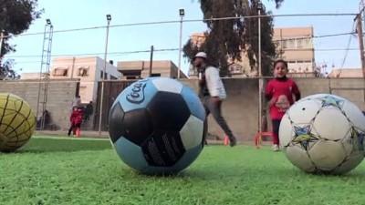 yildiz futbolcu - Gazzeli çocuklar geleceğin yıldız futbolcuları olmanın hayalini kuruyor - GAZZE