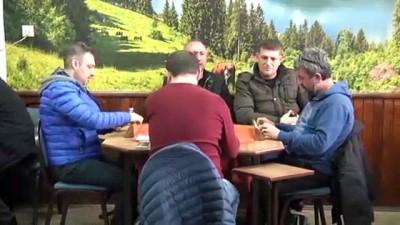 Kahvehaneleri gezerek kadına şiddetle mücadele ediyorlar - TRABZON