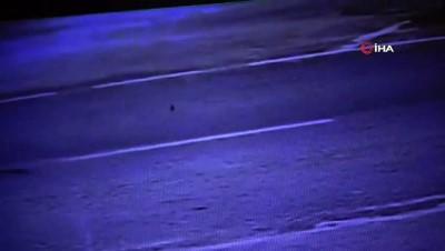 motosiklet surucusu -  Motosikletli şahsın yerde metrelerce sürüklendiği kaza kamerada