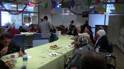 Diyaliz servisinde toplu doğum günü