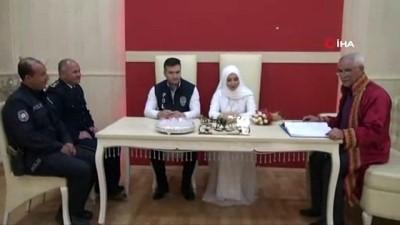Polis memuru ile öğretmen eşi, Polis Günü'nde 'evet' dedi