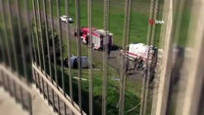 kadin surucu -  Kullandığı otomobiliyle havalimanına uçtu: 1 yaralı