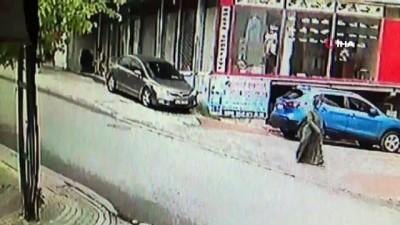 isci servisi -  Minibüse çarpmamak için kaldırıma çıktı, yaşlı adamı elektrik direğine sıkıştırdı