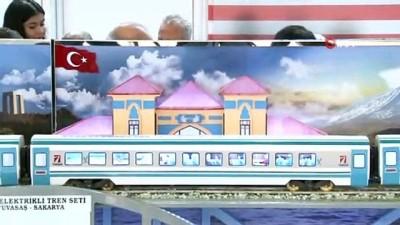 """Rasim Cüneyt Genç: """"Varolan 7 set Velaro hızlı trenlerimize ek olarak, 10 set Velaro yüksek hızlı trenimiz daha 2020'de raylarda olacak"""""""