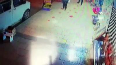 Alışveriş yaparken düşürdüğü cüzdanını, arkasından gelen kadın böyle çaldı