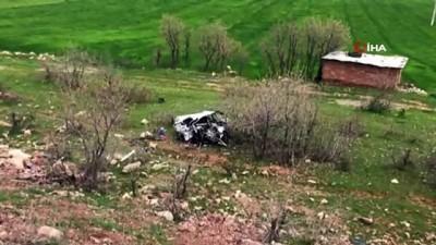 Diyarbakır'da iki araç kafa kafaya çarpıştı: 2 ölü, 7 yaralı