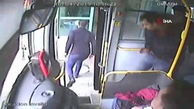 Halk otobüslerinde fenalaşan yolcular hastaneye böyle yetiştirildi