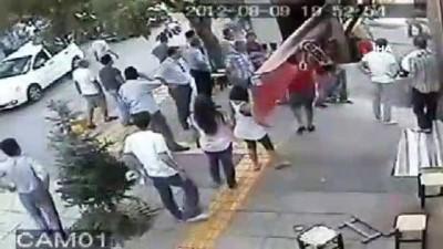 İş yerlerinde saldırıya uğradılar, 4,5 yıl ceza aldılar...Olay anları kamerada