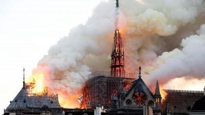 Notre Dame Katedrali'nin onarımı için milyarderlerden bağış yarışına TOTAL de katıldı