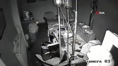 hirsiz -  Cezaevinden özel izinle çıktı, Fatih'te iş yeri kasasını soydu
