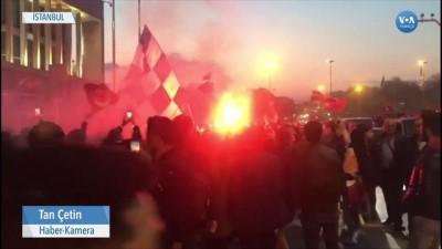 İstanbul Belediyesi Önünde İmamoğlu Coşkusu
