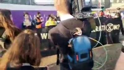 - İklim Değişikliği Protestoları Heatrow Havaalanı'nda - İngiliz Polisine Protestoculara Karşı 'tam Güç Kullanımı' Talimatı