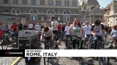 İtalyan gençler İsveçli çevreci aktivist Greta'yı ağırlamaya hazırlanıyor
