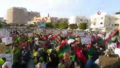 - Libyalılar Hafter'in saldırısına karşı sokağa çıktı