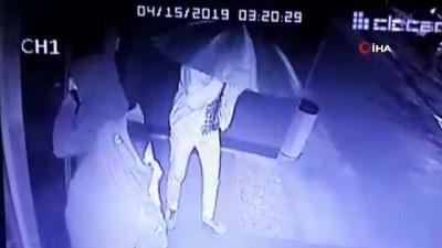 hapis cezasi -  Montla şemsiyeyle gizlendiler, böyle hırsızlık yaptılar
