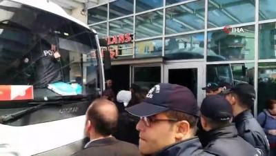 teror orgutu -  Cezaevi önünde toplanan göstericilere polis müdahalesi: 12 gözaltı