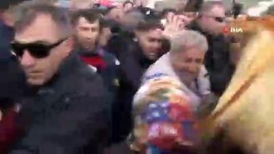 teror orgutu -  Vatandaşların saldırısına uğrayan CHP Lideri Kılıçdaroğlu bir eve sığındı