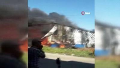 itfaiye araci -  Antalya'da plastik fabrikası alev alev yandı
