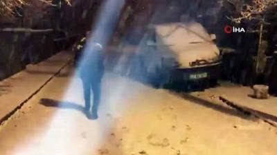 koy yollari -  Bitlis'te Nisan ayında yağan kar hayatı olumsuz etkiliyor... 80 köy yolu kar yağışı nedeniyle ulaşıma kapandı