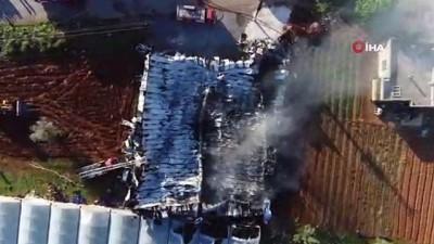 itfaiye araci -  Çıkan yangın sonrası kül yığınına dönen fabrika havadan görüntülendi