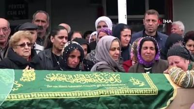 Bıçaklanarak öldürülen anne ve oğlu son yolculuğuna uğurlandı