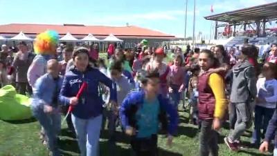 Şahinbey'de yetim çocuklar çifte bayram sevinci yaşadı