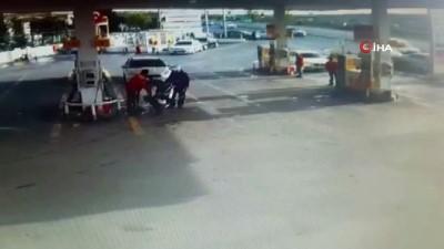Başakşehir'de kontrolden çıkan aracın benzinliğe daldığı anlar kamerada
