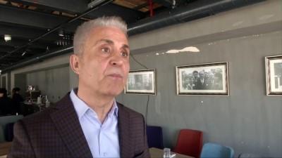 Cumhuriyet gazetesinin eski karikatüristi Musa Kart, cezaevine girmeden son röportajını VOA Türkçe'ye verdi