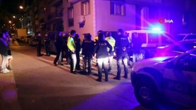 saglik ekipleri -  'Dur' ihtarına uymayan sürücüyü kovalayan 2 polis otosu kaza yaptı: 1 polis yaralandı