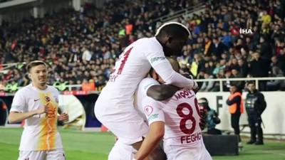 Evkur Yeni Malatyaspor - Galatasaray maçından kareler