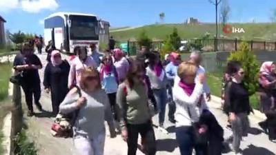 gurbetci -  Paris'ten gelen turist kafilesi Siirt'i gezdi