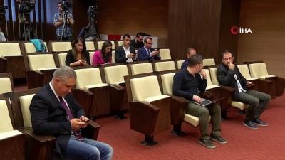 """CHP'li Öztrak: """"CHP'nin kazandığı büyükşehirlerde hizmet alan vatandaşlarımızın sayısı yüzde 12'den 45'e çıktı"""""""