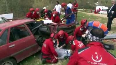 saglik ekipleri -  Mardin'de gerçeği aratmayan UMKE tatbikatı...140 UMKE gönüllüsü ile tanker kazası tatbikatı gerçekleştirildi