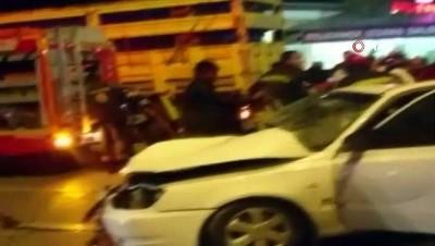 saglik ekipleri -  Tır otomobile çarptı, 3 yaşındaki Nisa hayatını kaybetti...Kaza anları saniye saniye güvenlik kamerasında Haberi