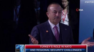 - Dışişleri Bakanı Çavuşoğlu: 'S-400'ler bitmiş, yapılmış bir anlaşmadır' - 'Biz ABD'den PKK ile birlik olmamasını istiyoruz' - 'ABD terör örgütü ile birlikte çalışıyor onlara silah veriyor'