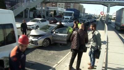 kadin surucu -  TEM bağlantı yolunda trafiği kilitleyen kaza