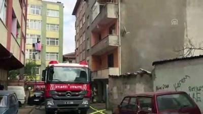 dogalgaz hatti - Ümraniye'de çatı yangını - İSTANBUL