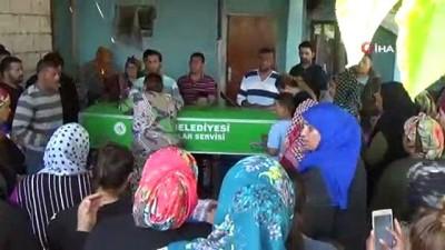 gurbetci -  Sanatçı Dilber Ay'ın cenazesi evine getirildi