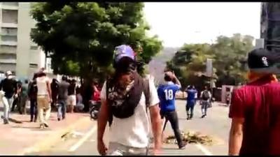 Venezuela'da darbe girişimi - Guaido destekçileri sokakta - CARACAS