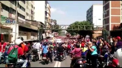 Venezuela'da darbe girişimi - Maduro destekçileri sokakta - CARACAS