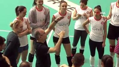 ceyrek final - Eczacıbaşı Vitra, Galatasaray maçı hazırlıklarını sürdürdü